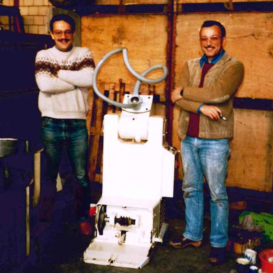 1986 - eerste verkochte machine